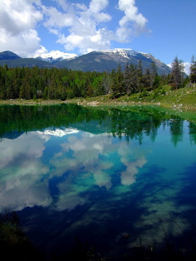 Озеро Малайн, расположенное рядом с Джаспером, Альберта
