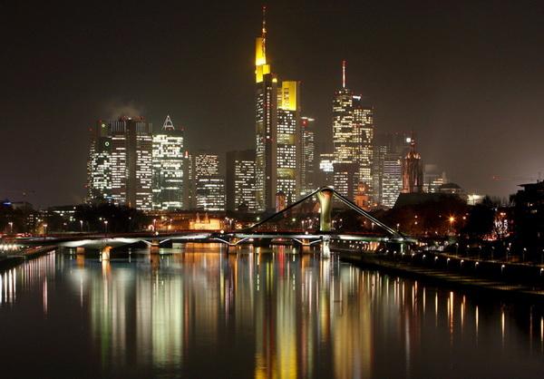 Night view of Frankfurt Main