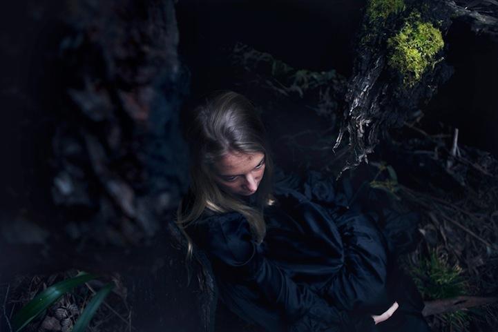 Фантазии женщины бегущей с волками в лесу 3