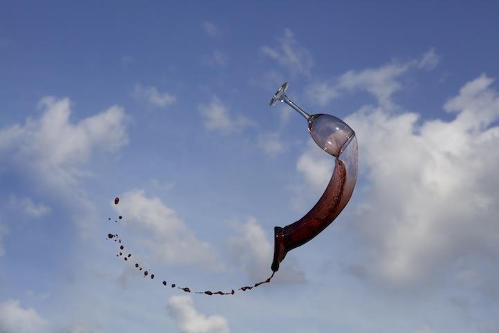 Фотограф Манон Ветли: Полет жидкости в воздухе