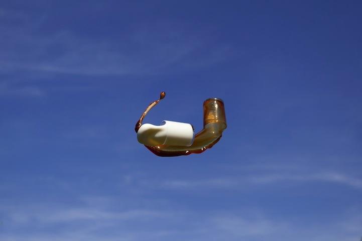 Фотограф Манон Ветли: Полет коктейля в воздухе