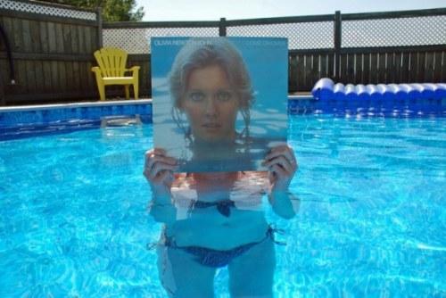 Sleeveface: вторая жизнь виниловых пластинок