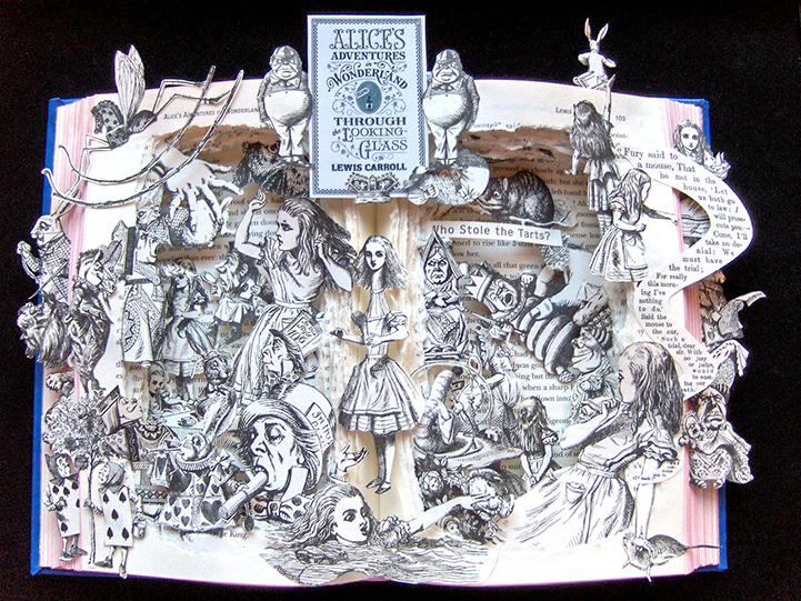Книжная скульптура Алиса в стране чудес