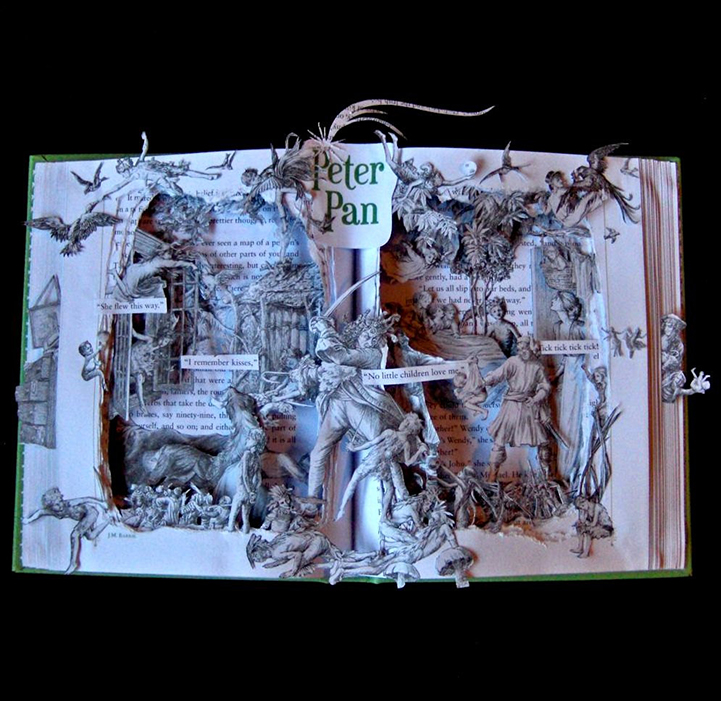 Книжная скульптура Питер Пэн