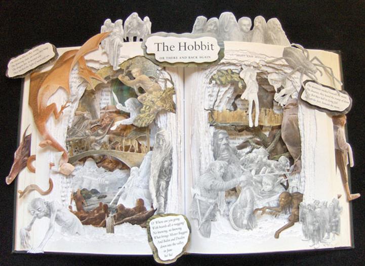 Книжная скульптура Хоббит