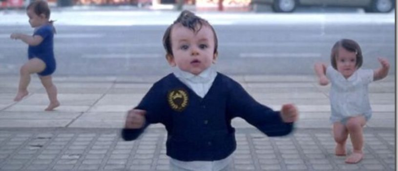 Танцующие младенцы в новой рекламе от Evian