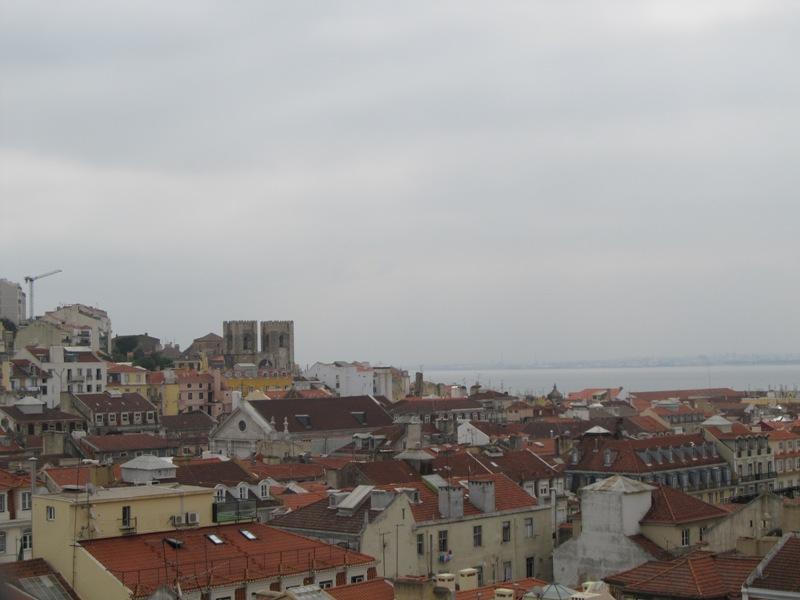 Вид на район Лиссабона Альфама
