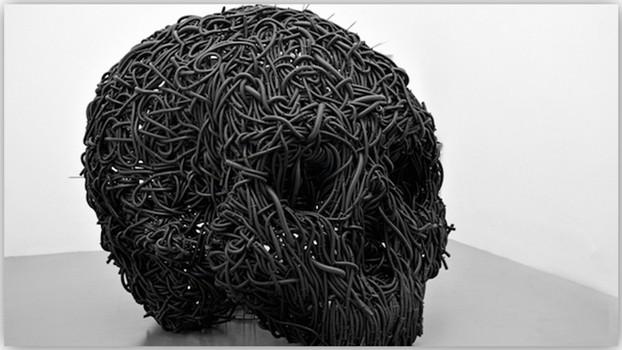 Концептуальные черные скульптуры Paolo Grassino