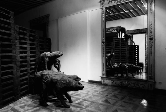 Концептуальные черные скульптуры Paolo Grassino10