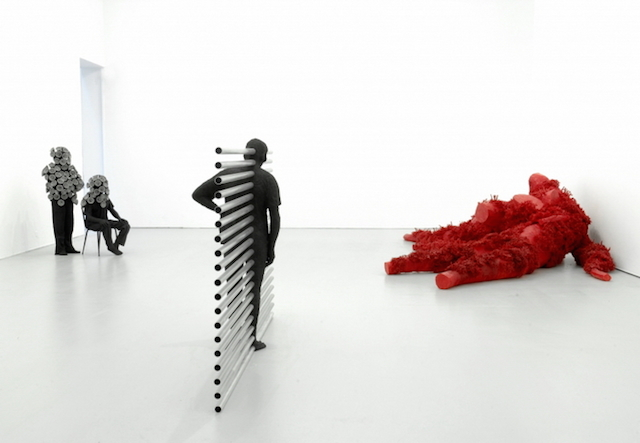 Концептуальные черные скульптуры Paolo Grassino4
