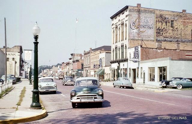 Улицы США в 1950- 60-х годов на фотографиях Dave Gelinas10