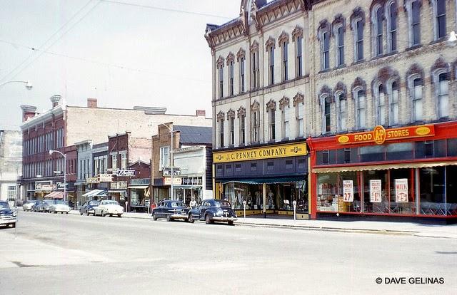 Улицы США в 1950- 60-х годов на фотографиях Dave Gelinas11