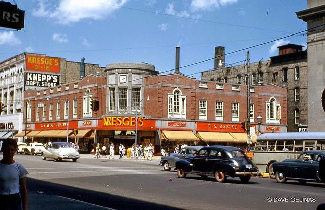 Улицы США в 1950- 60-х годов на фотографиях Dave Gelinas12