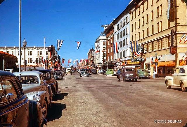 Улицы США в 1950- 60-х годов на фотографиях Dave Gelinas21