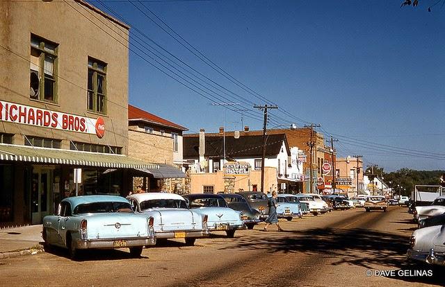 Улицы США в 1950- 60-х годов на фотографиях Dave Gelinas25