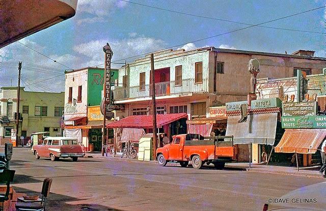 Улицы США в 1950- 60-х годов на фотографиях Dave Gelinas26