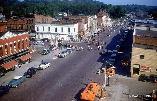 Улицы США в 1950- 60-х годов на фотографиях Dave Gelinas28