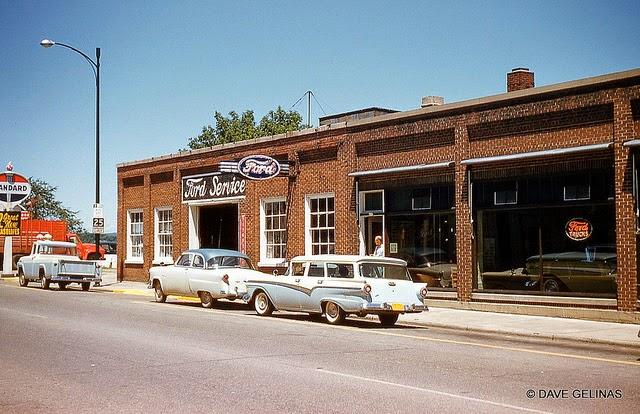 Улицы США в 1950- 60-х годов на фотографиях Dave Gelinas29