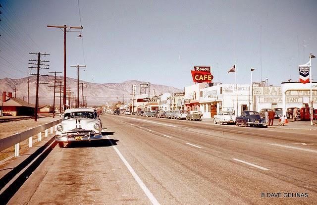 Улицы США в 1950- 60-х годов на фотографиях Dave Gelinas3
