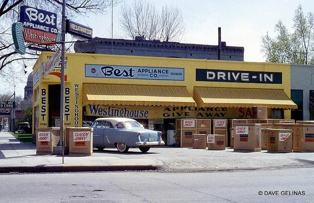 Улицы США в 1950- 60-х годов на фотографиях Dave Gelinas30