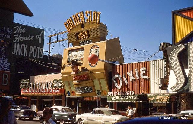 Улицы США в 1950- 60-х годов на фотографиях Dave Gelinas31