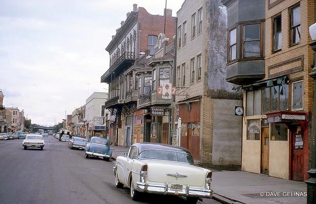Улицы США в 1950- 60-х годов на фотографиях Dave Gelinas33