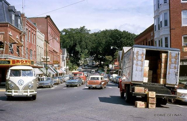 Улицы США в 1950- 60-х годов на фотографиях Dave Gelinas37