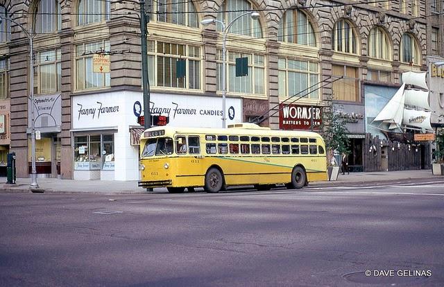 Улицы США в 1950- 60-х годов на фотографиях Dave Gelinas39