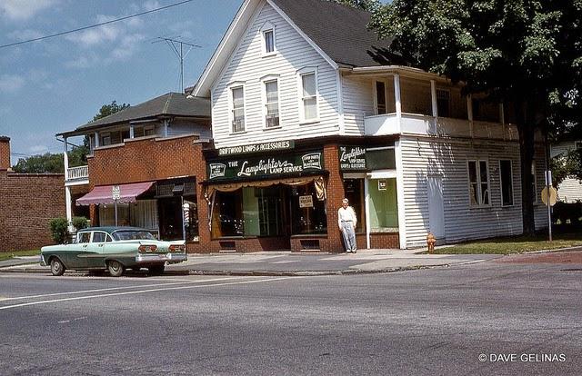 Улицы США в 1950- 60-х годов на фотографиях Dave Gelinas43