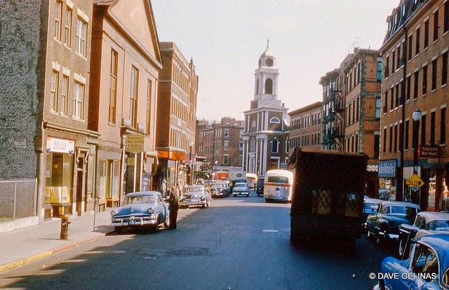 Улицы США в 1950- 60-х годов на фотографиях Dave Gelinas5