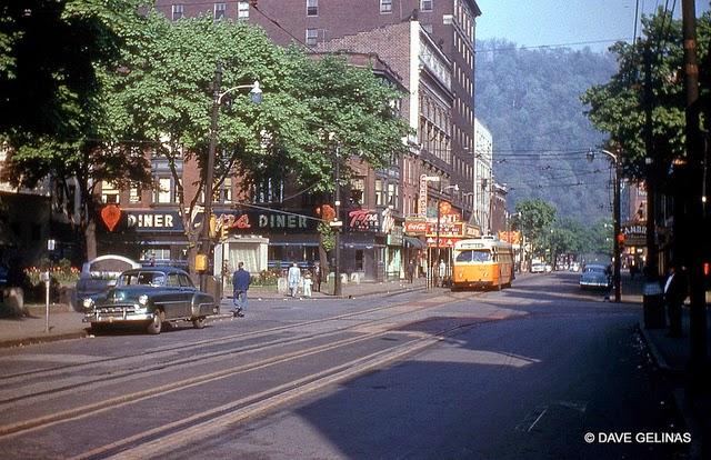 Улицы США в 1950- 60-х годов на фотографиях Dave Gelinas7