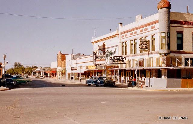 Улицы США в 1950- 60-х годов на фотографиях Dave Gelinas8