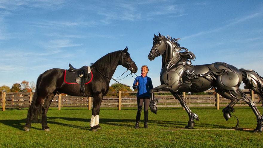 Превращение старой сельхозтехники в потрясающие скульптуры 12