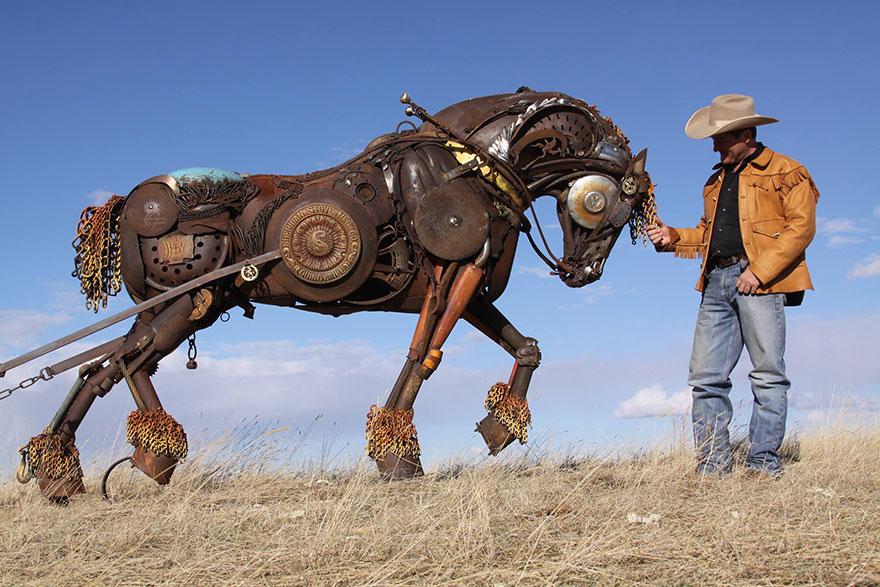 Превращение старой сельхозтехники в потрясающие скульптуры 15