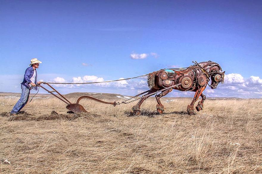 Превращение старой сельхозтехники в потрясающие скульптуры 16
