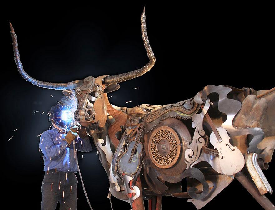 Превращение старой сельхозтехники в потрясающие скульптуры 2