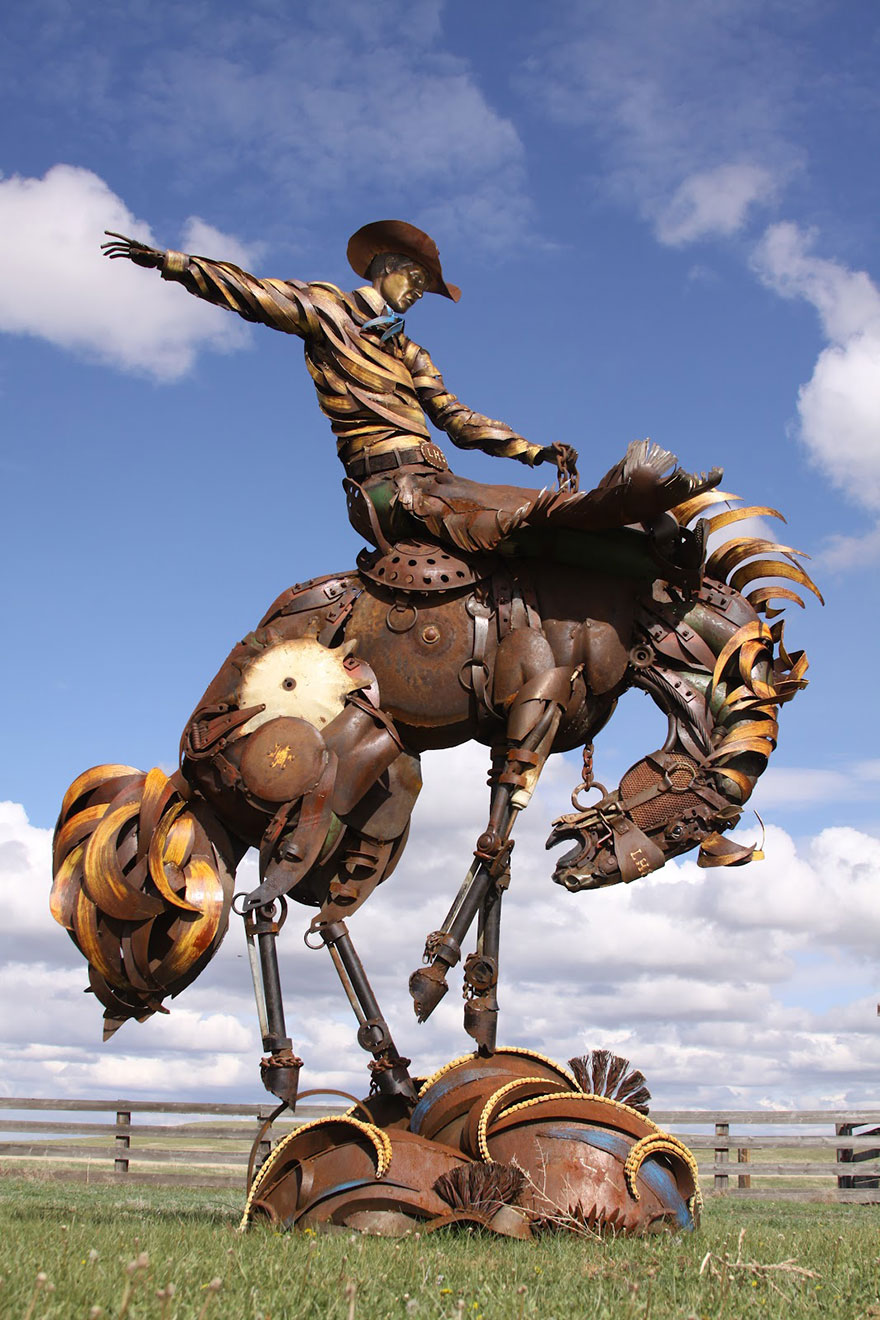 Превращение старой сельхозтехники в потрясающие скульптуры 4