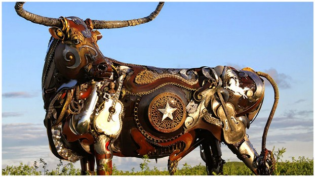 Превращение старой сельхозтехники в потрясающие скульптуры
