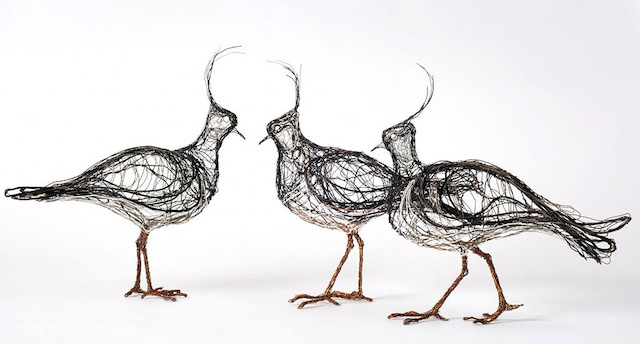 Скульптуры птиц из проводов-15