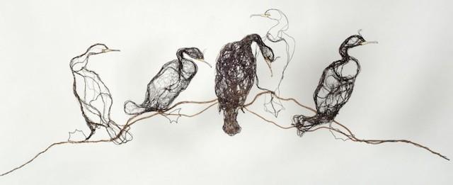 Скульптуры птиц из проводов-7