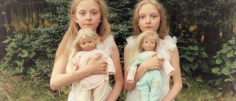 Мистические снимки ирландских близняшек Эрны и Хрефны от Арико Инаока (Ariko Inaoka)