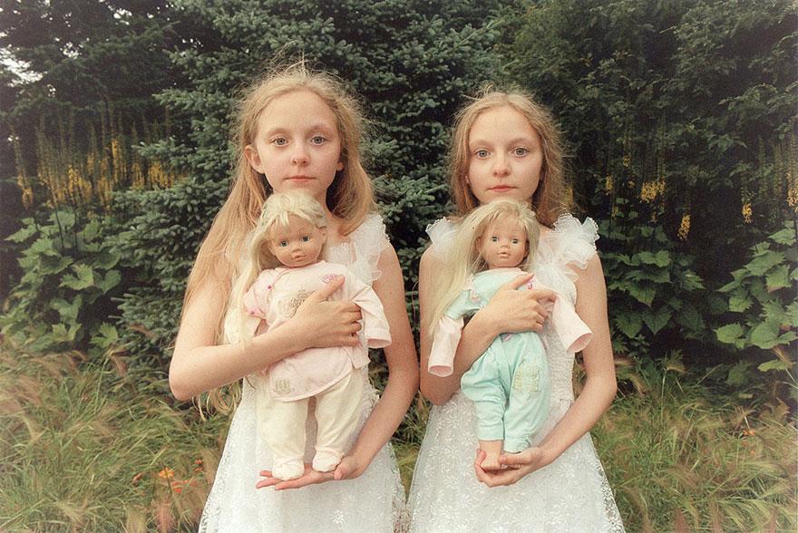 Мистические снимки ирландских близняшек Эрны и Хрефны от Арико Инаока 1