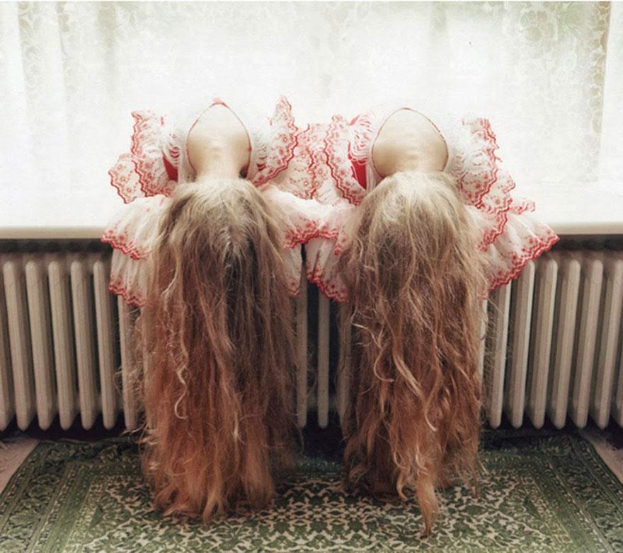 Мистические снимки ирландских близняшек Эрны и Хрефны от Арико Инаока 11