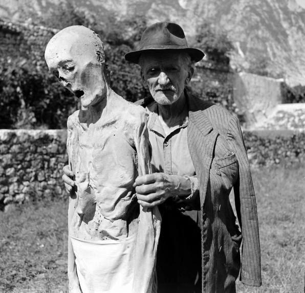 Этот скелет найден у дома Джека Бернса в 1950 году.