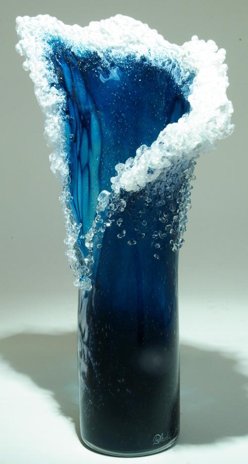 Гиперреалистичные вазы в стиле океанской волны 11
