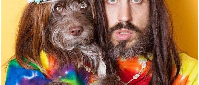 Парень и его любимая собака очень похожи друг на друга. Очаровательные портреты двух друзей.