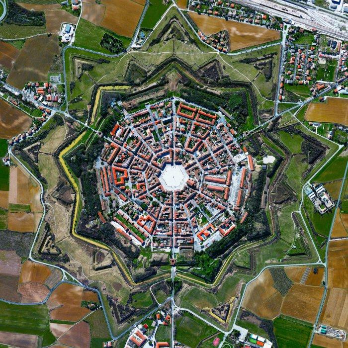 fort-v-palmanove-italiya