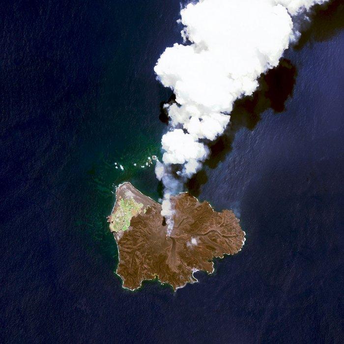 vulkanicheskiy-ostrov-nisinosima-yapo