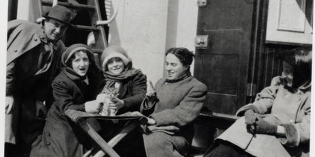 Чаплин по дороге в Америку 1910 г.