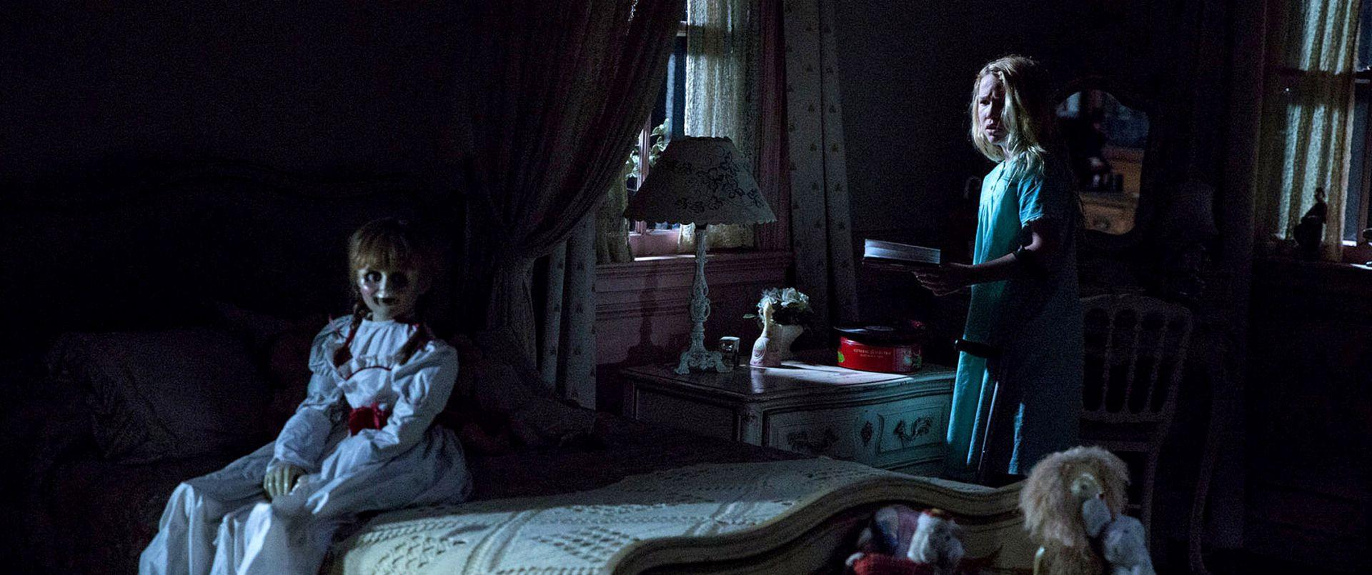 В комнате сидела кукла Кукла Аннабель